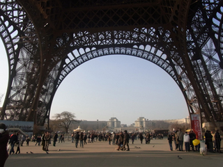 Eiffel_Tower_3.jpg