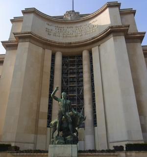 Palais_de_Chaillot_1.jpg